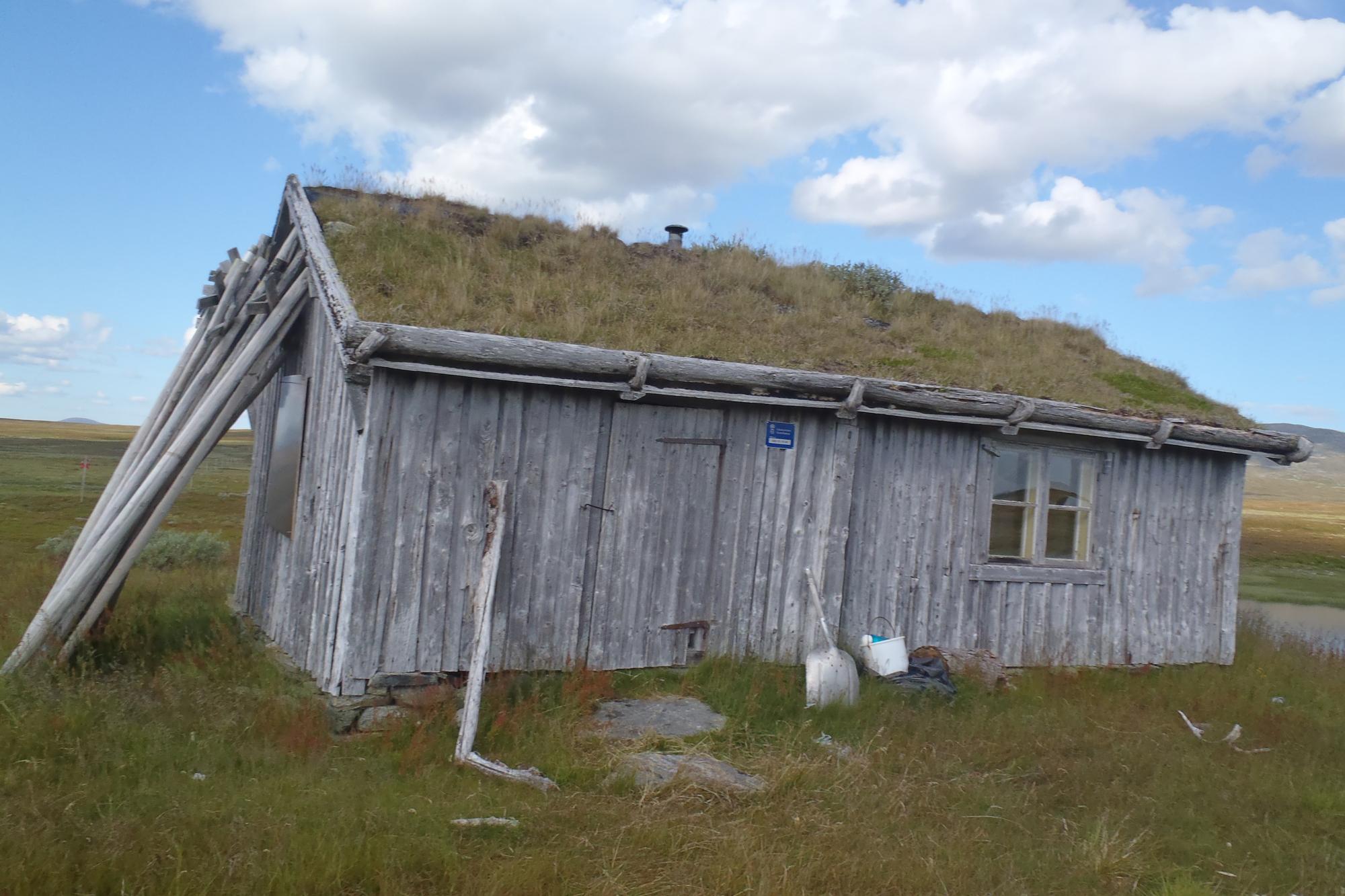 Simple hut on Stage 3